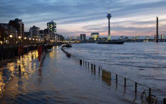 Высокая вода в Дюссельдорфе